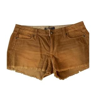 Cute corduroy shorts!